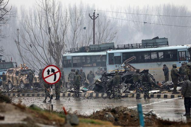 Δεκάδες νεκροί στη φονικότερη επίθεση των τελευταίων ετών κατά ινδικών δυνάμεων στο