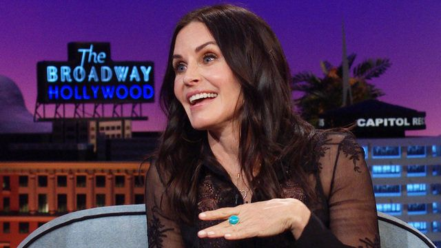 Courteney Cox explaining the story of losing her virginity.