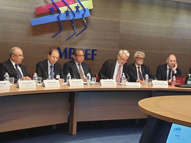 Des représentants d'entreprises françaises annoncent l'extension de leurs projets en