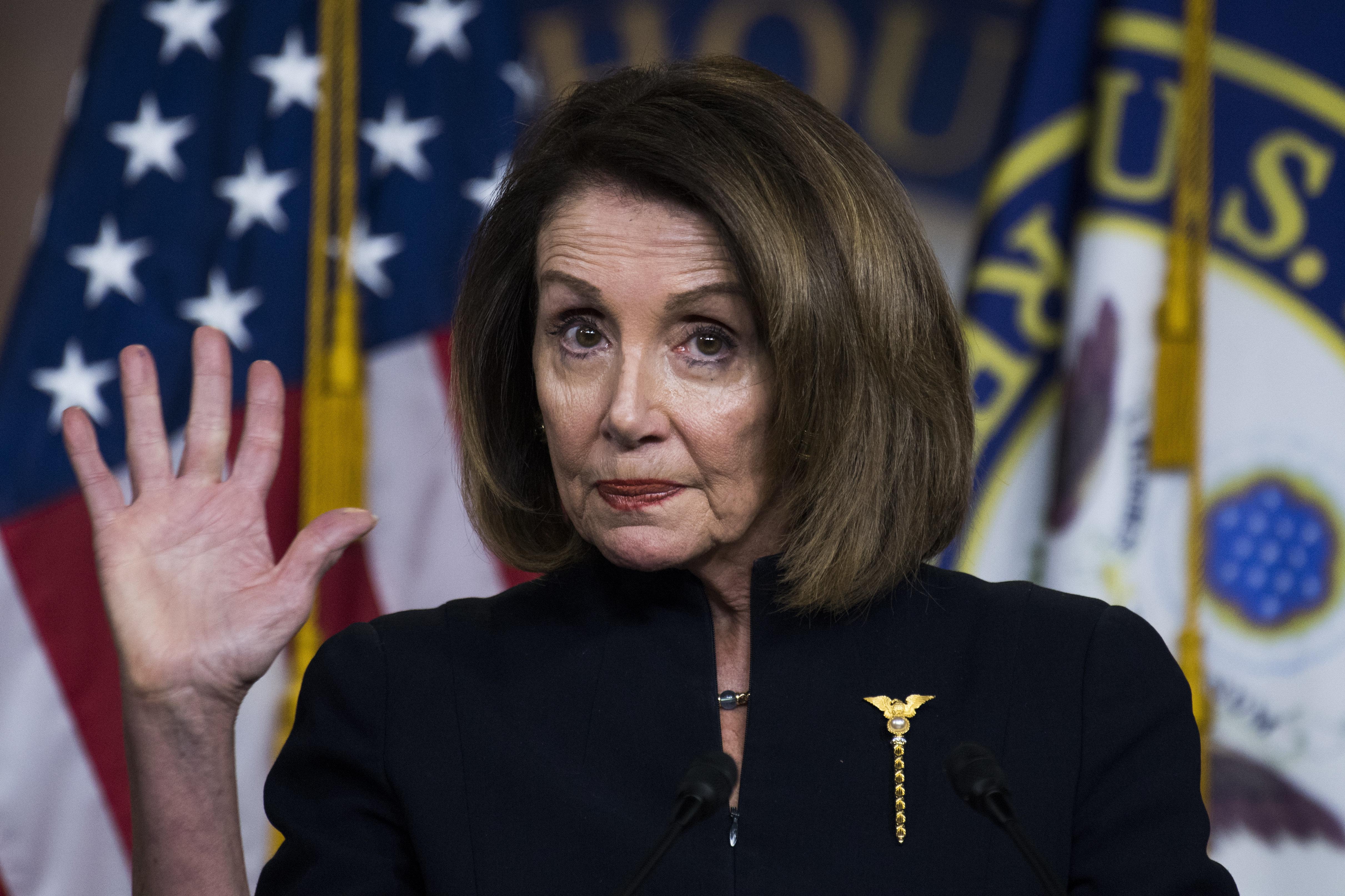 '국가비상사태' 선포하겠다는 트럼프를 향한 민주당의