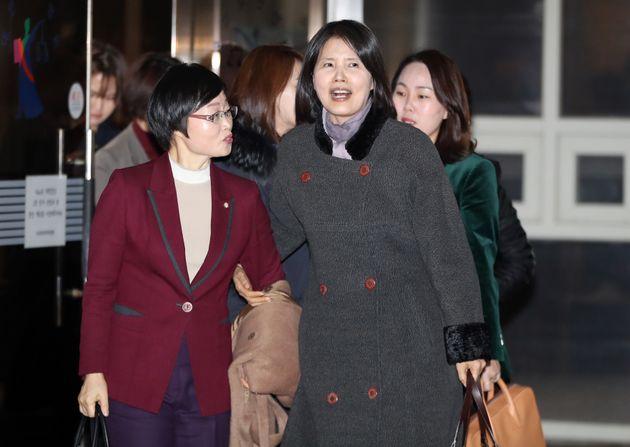고은 시인이 성추행 폭로한 최영미 시인에게 제기한 손해배상 소송에서