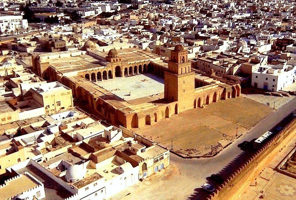 Vue aérienne de la Grande Mosquée de Kairouan. Située au centre de la Tunisie, Kairouan...