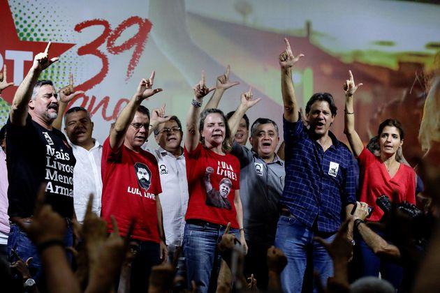 """""""A defesa do Lula é a condução da nossa política porque nós..."""