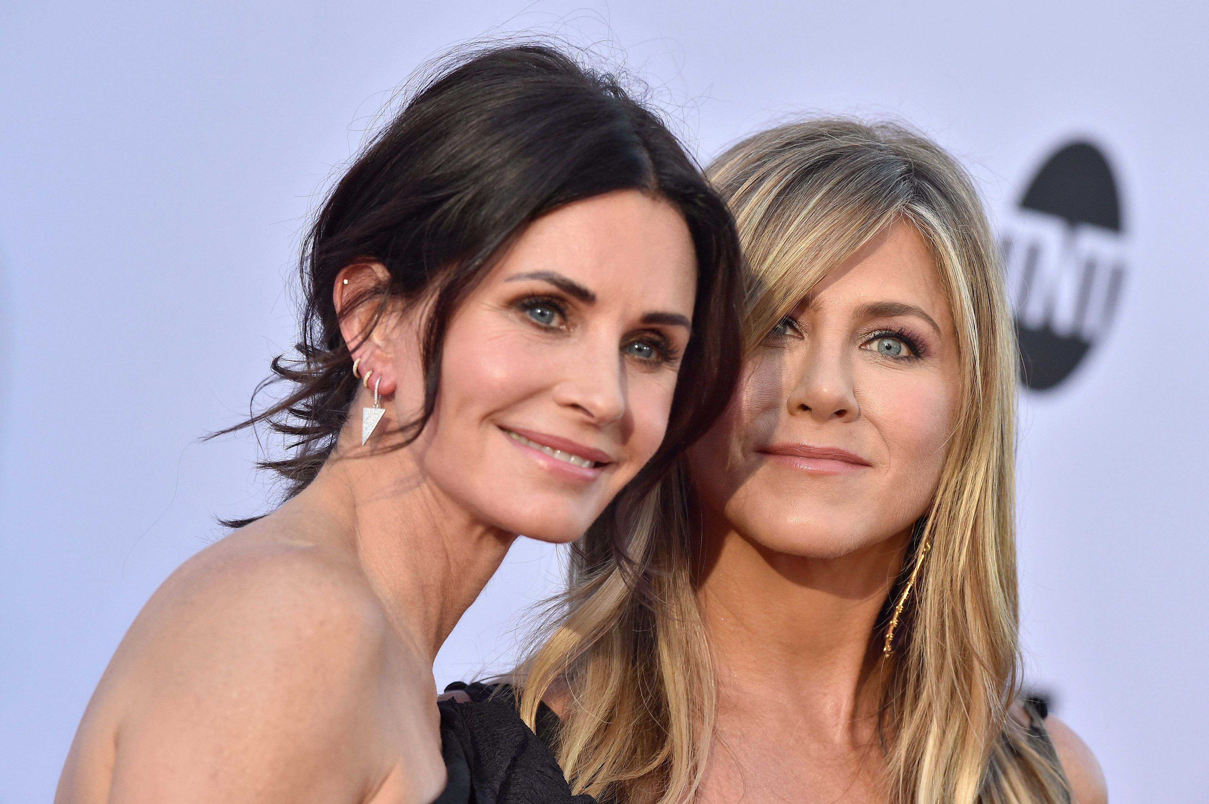 Jennifer Aniston And Courteney Cox's Private Jet Loses Tyre En Route To Friends' Star's 50th