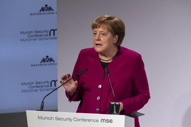 Merkel fordert China zu Gesprächen über Rüstungskontrolle