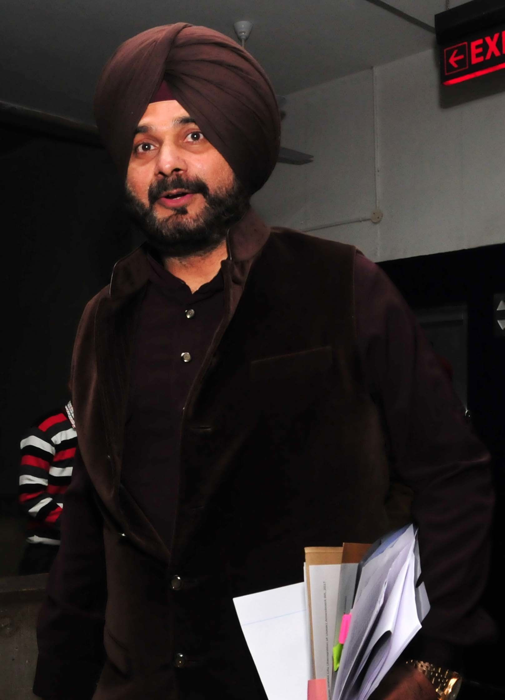 Navjot Singh Sidhu Dropped From Kapil Sharma Show After Remarks On Pulwama Attack: