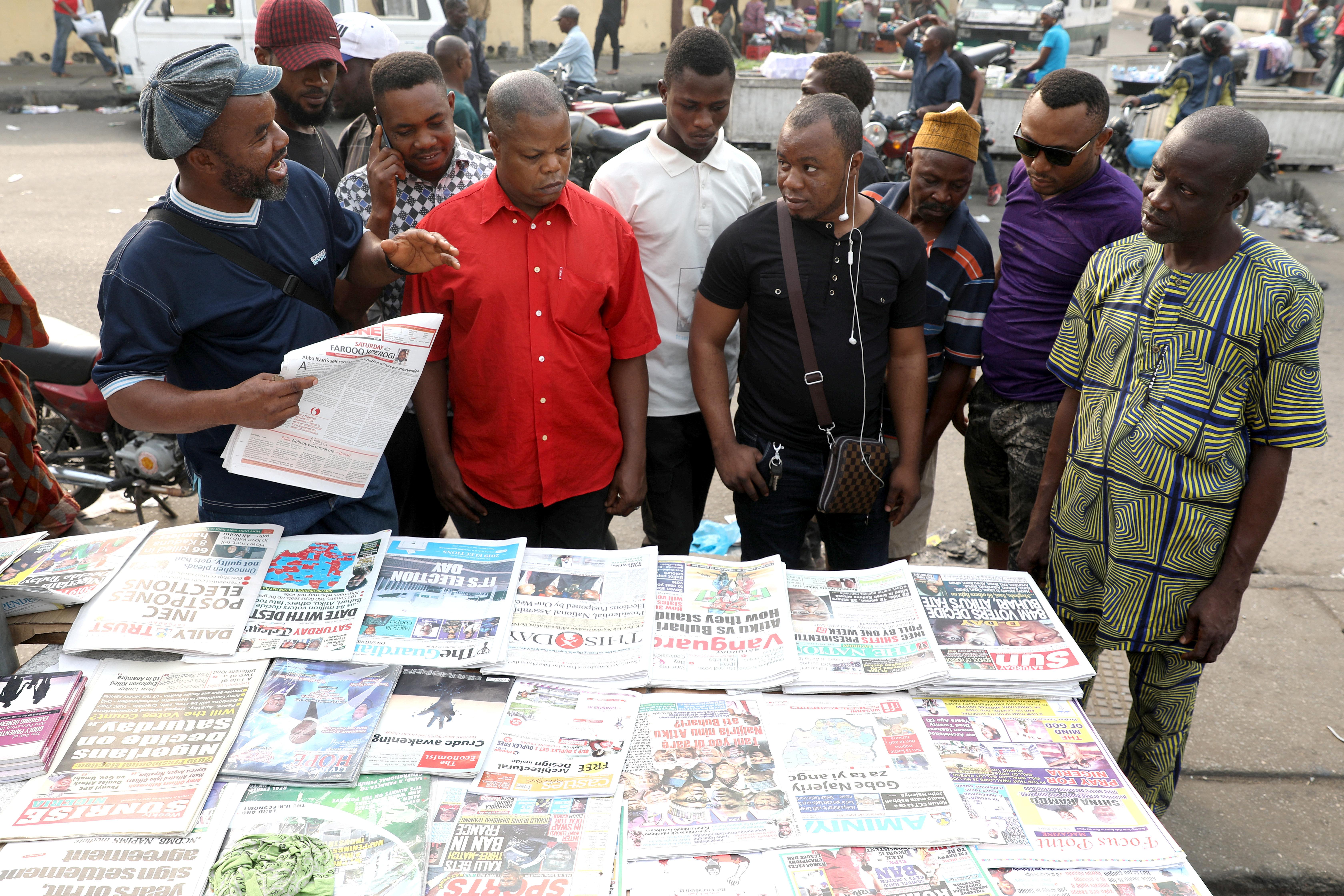Αναβλήθηκαν οι προεδρικές εκλογές στη Νιγηρία πέντε ώρες πριν ανοίξουν οι κάλπες