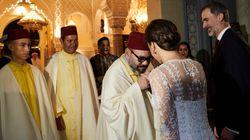 Quand le roi Mohammed VI offrait son selham à la reine Letizia à l'issue du dîner