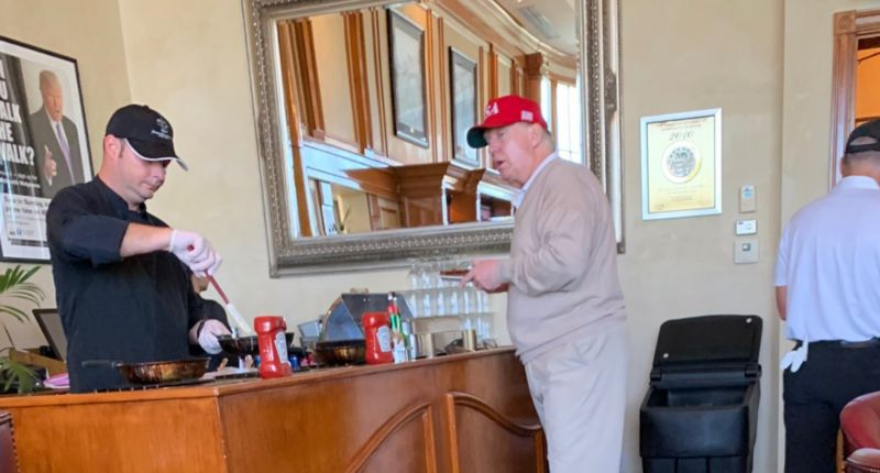 Twitter trolls Trump at Mar-a-Lago breakfast bar