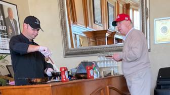 Twitter trolls Trump at Mar-a-Lago breakfast bar