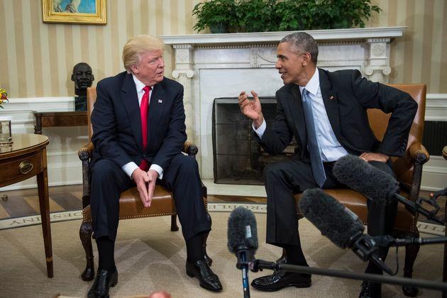 2016년 11월 10일 백악관 집무실에서 만난 버락 오바마 당시 미국 대통령과 도널드 트럼프 당시 대통령 당선인이 취재진 앞에서 대화하고