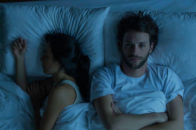 밤에 자다 깰 때마다 다시 잠드는 데 한참 걸린다면 이 글을
