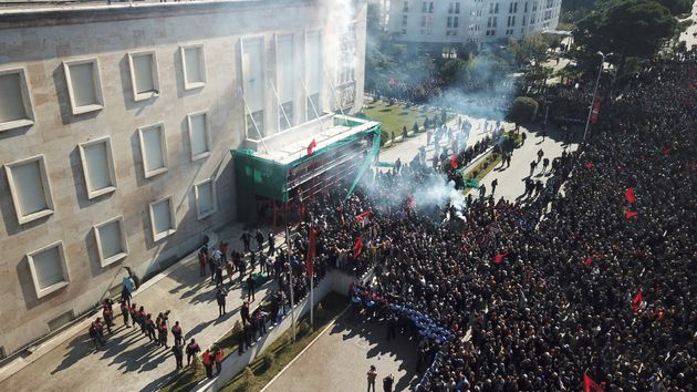 15 διαδηλωτές συνελήφθησαν μετά τα επεισόδια στην
