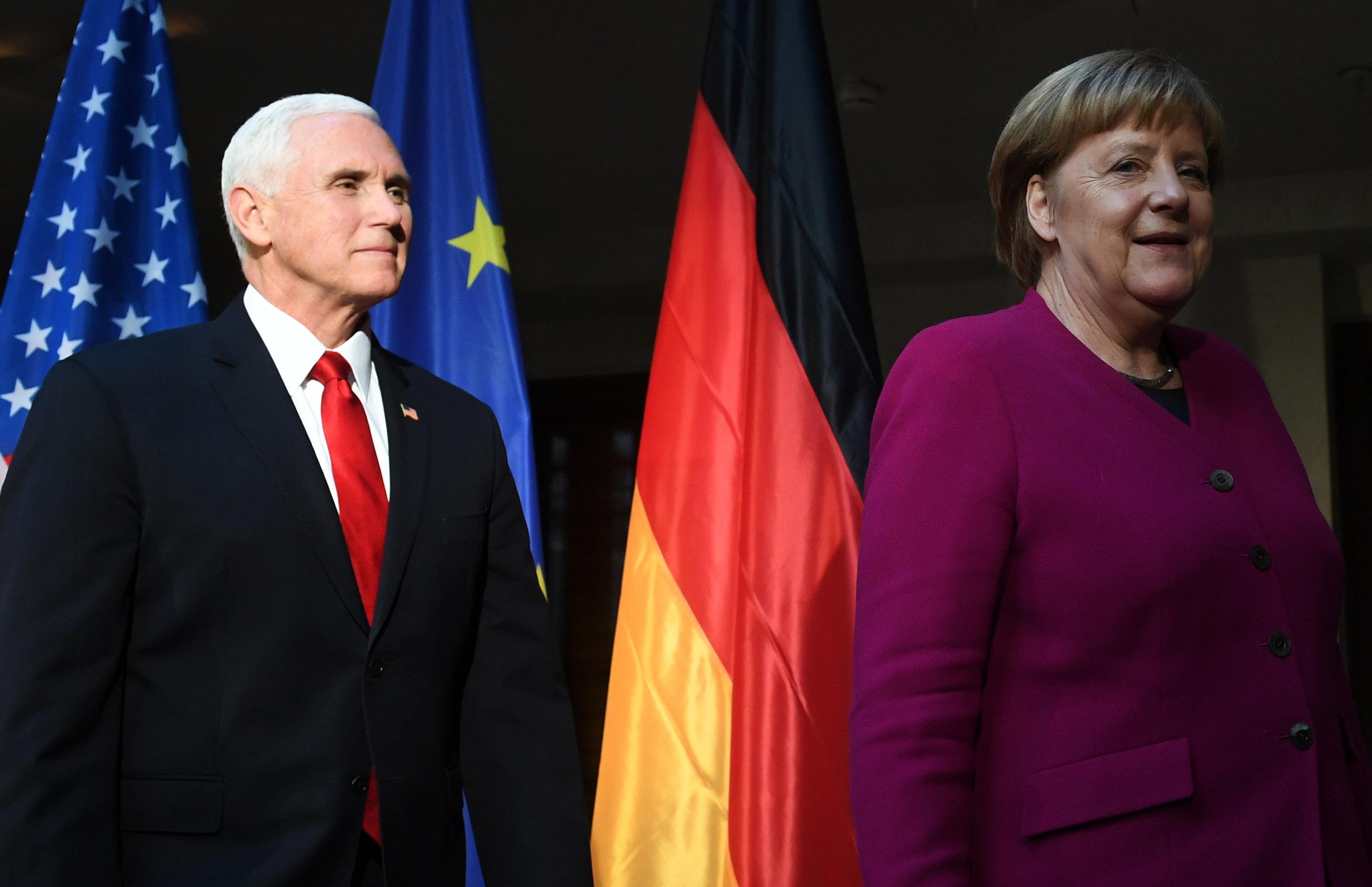 앙겔라 메르켈 독일 총리는 이란 핵협정 탈퇴 등 미국 트럼프 정부의 외교정책을 공개적으로