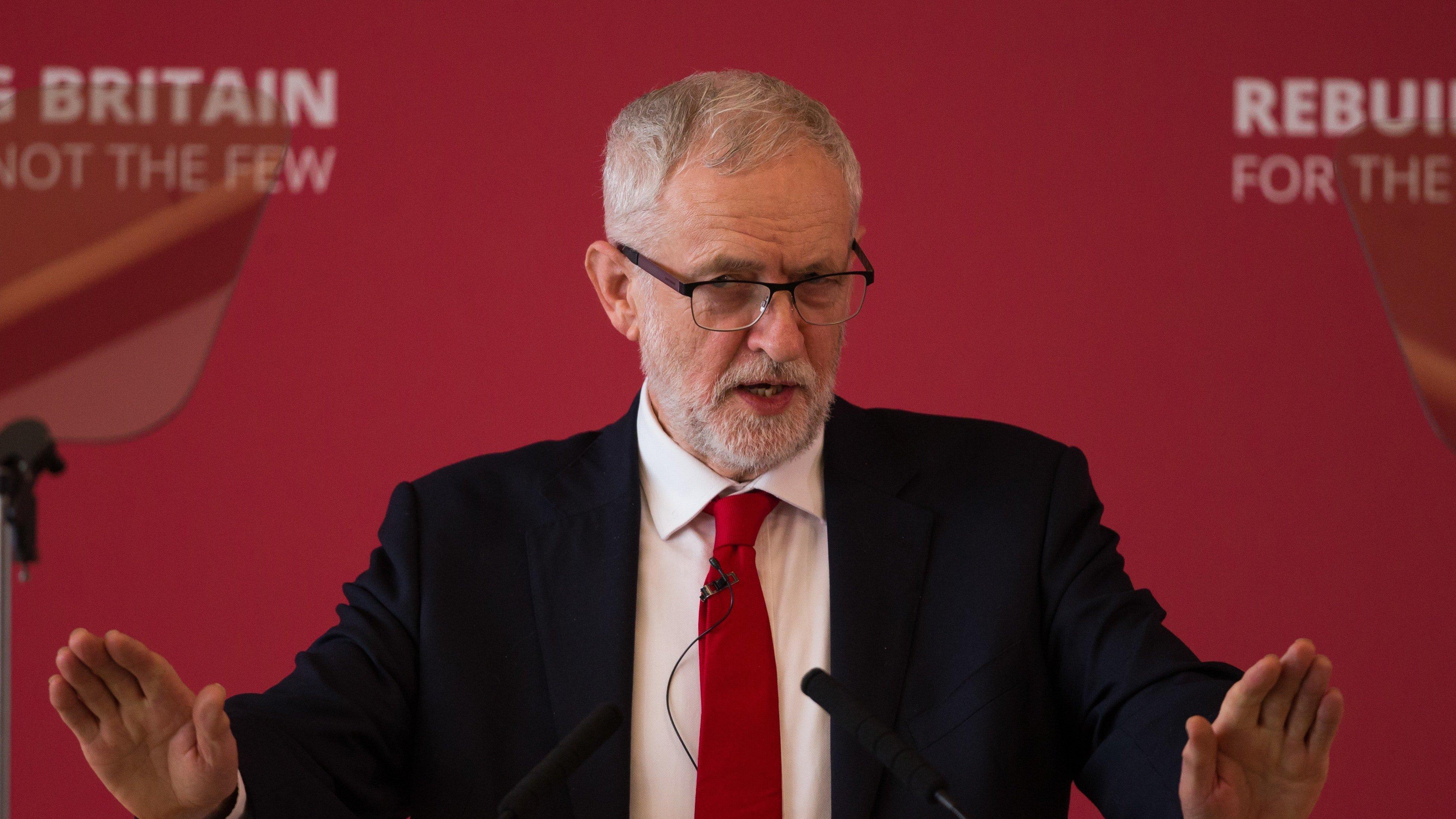 Brexit: Protest gegen Labour-Chef Jeremy Corbyn - sieben Abgeordnete verlassen Partei