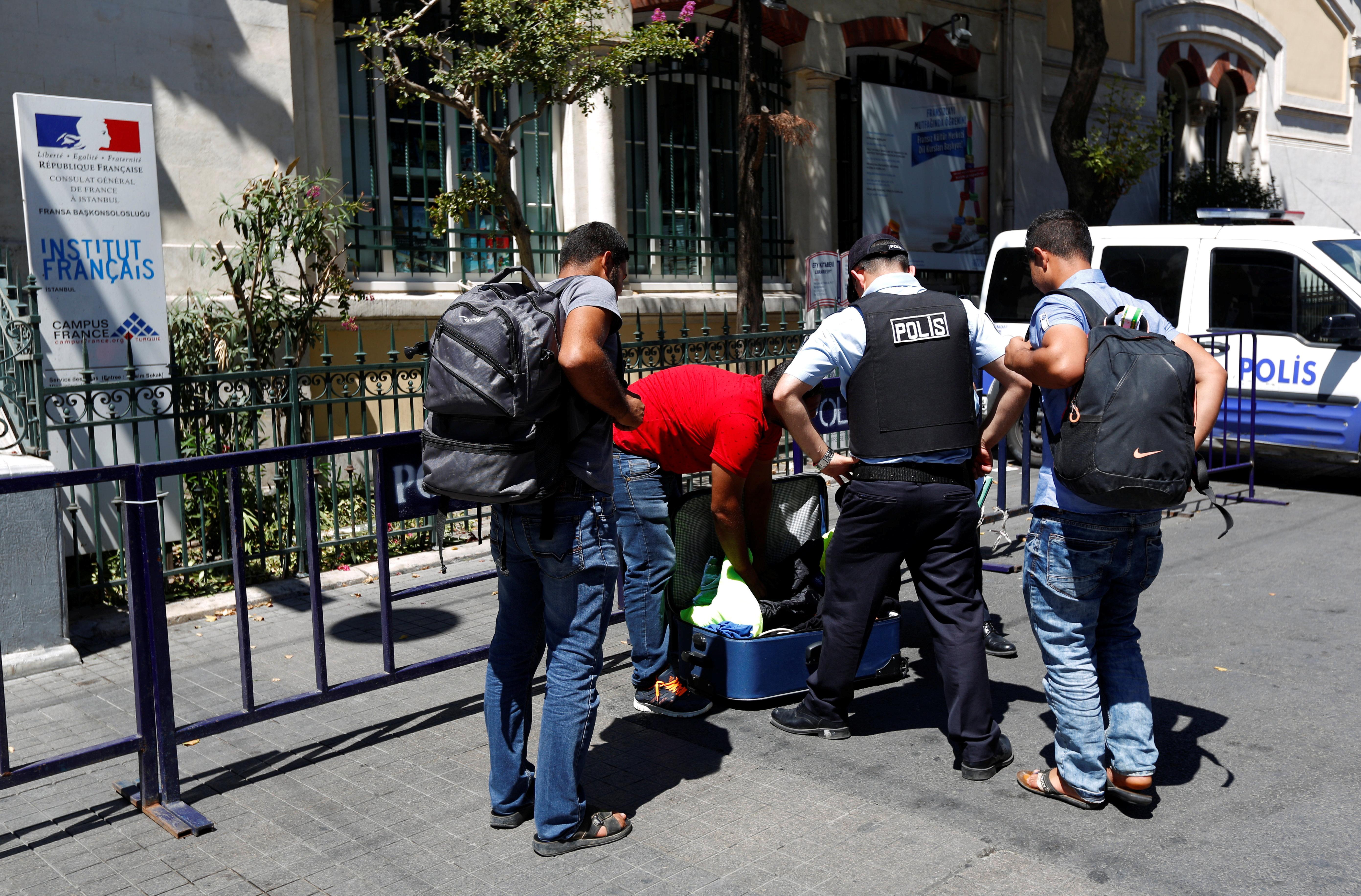 Τουρκία: 3.500 προσαγωγές από επιχείρηση «ασφάλειας και