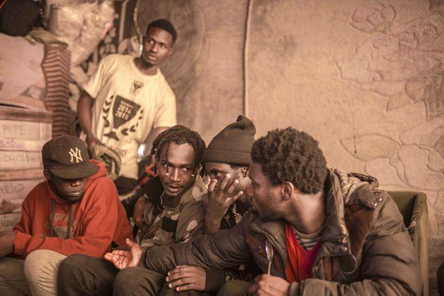Migrants subsahariens au camp de Ouled Ziane à Casablanca/Photo
