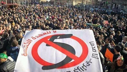 """De Kherrata à Paris, les Algériens manifestent contre le 5ème mandat de """"Bouteflika le"""