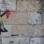 Pastiche ou original ? Un possible Banksy soutenant les
