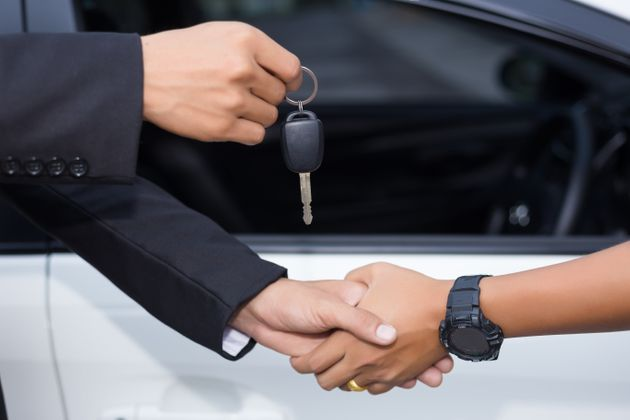 Antes de fechar negócio, é necessário conferir a procedência do carro