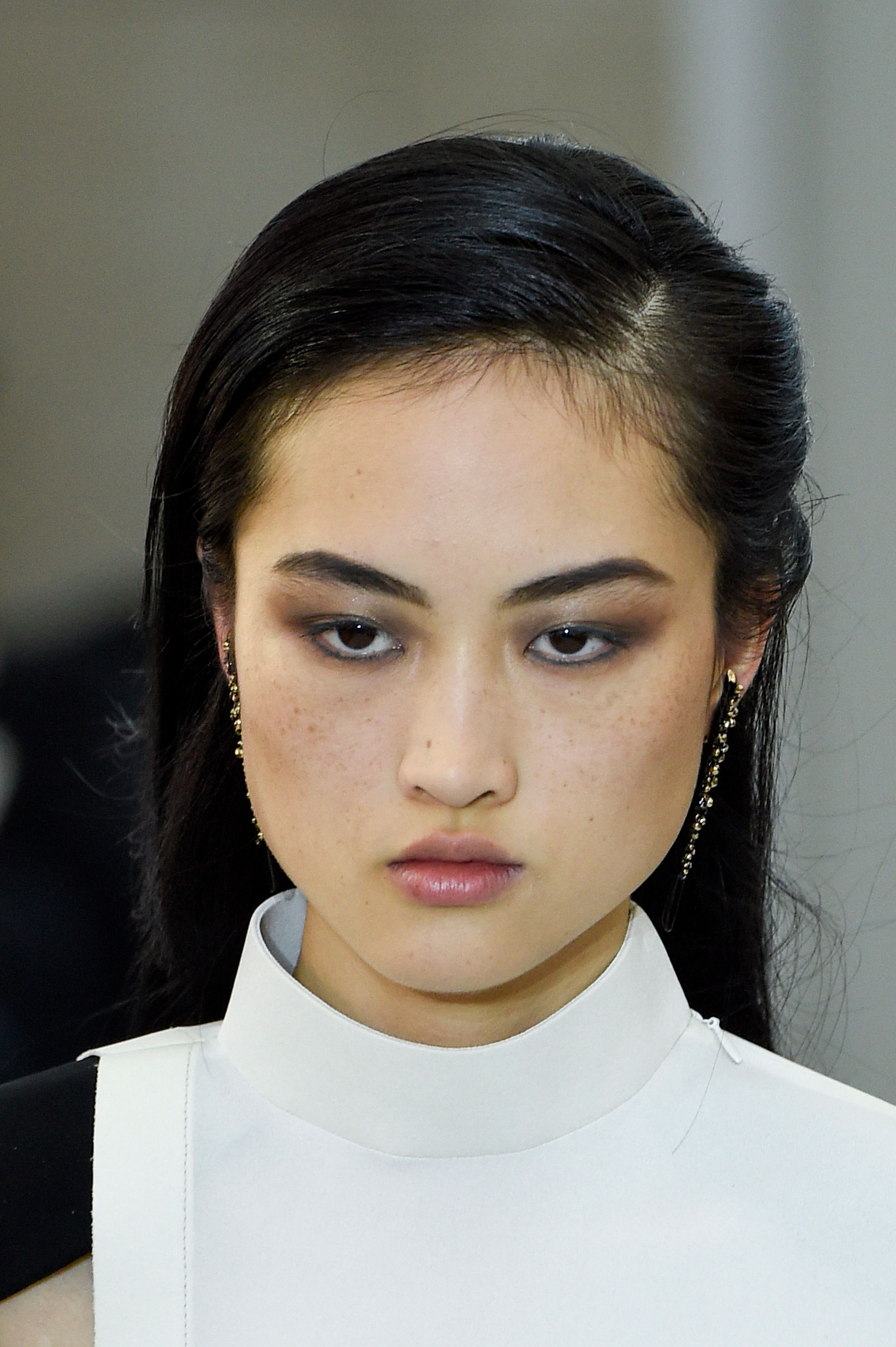 China Social Media Erupts Over A Top Model's Freckles In Surprise