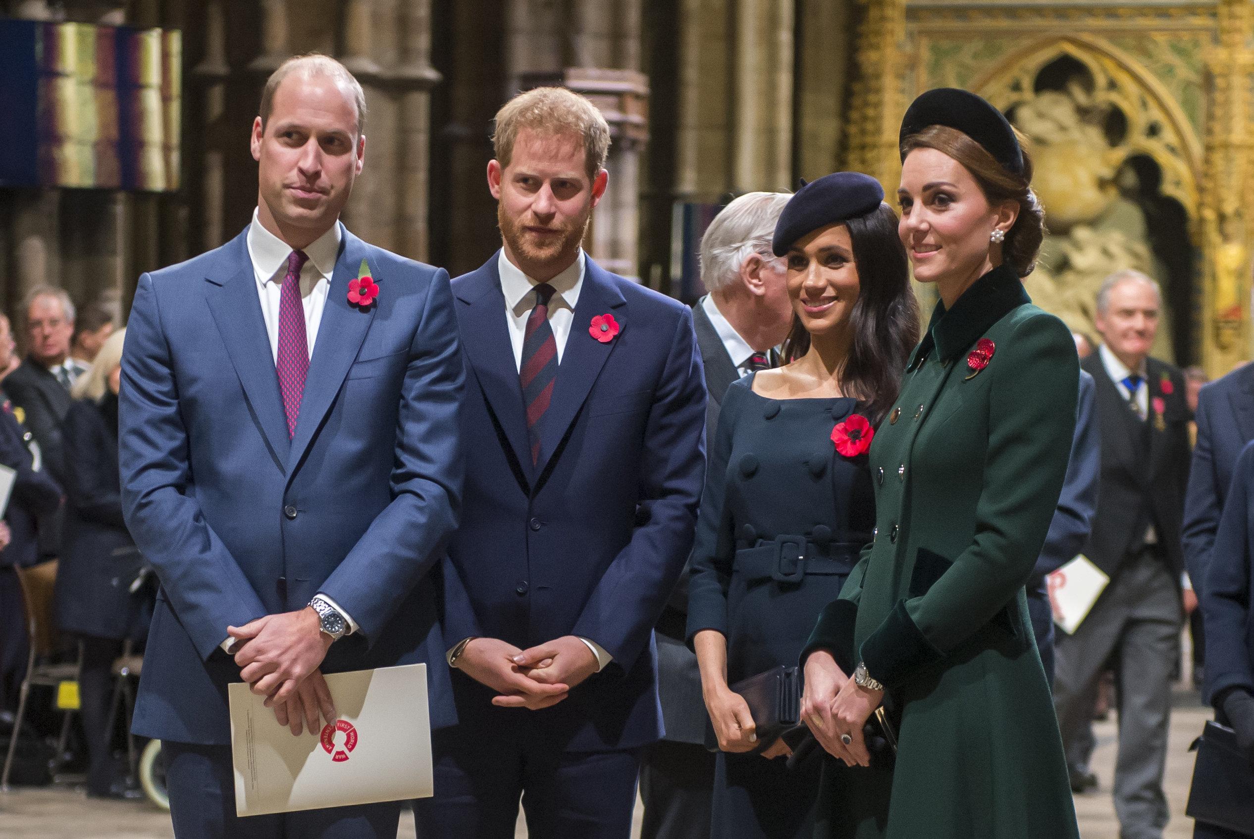 Harry und William halten sich nicht an alle Regeln des britischen