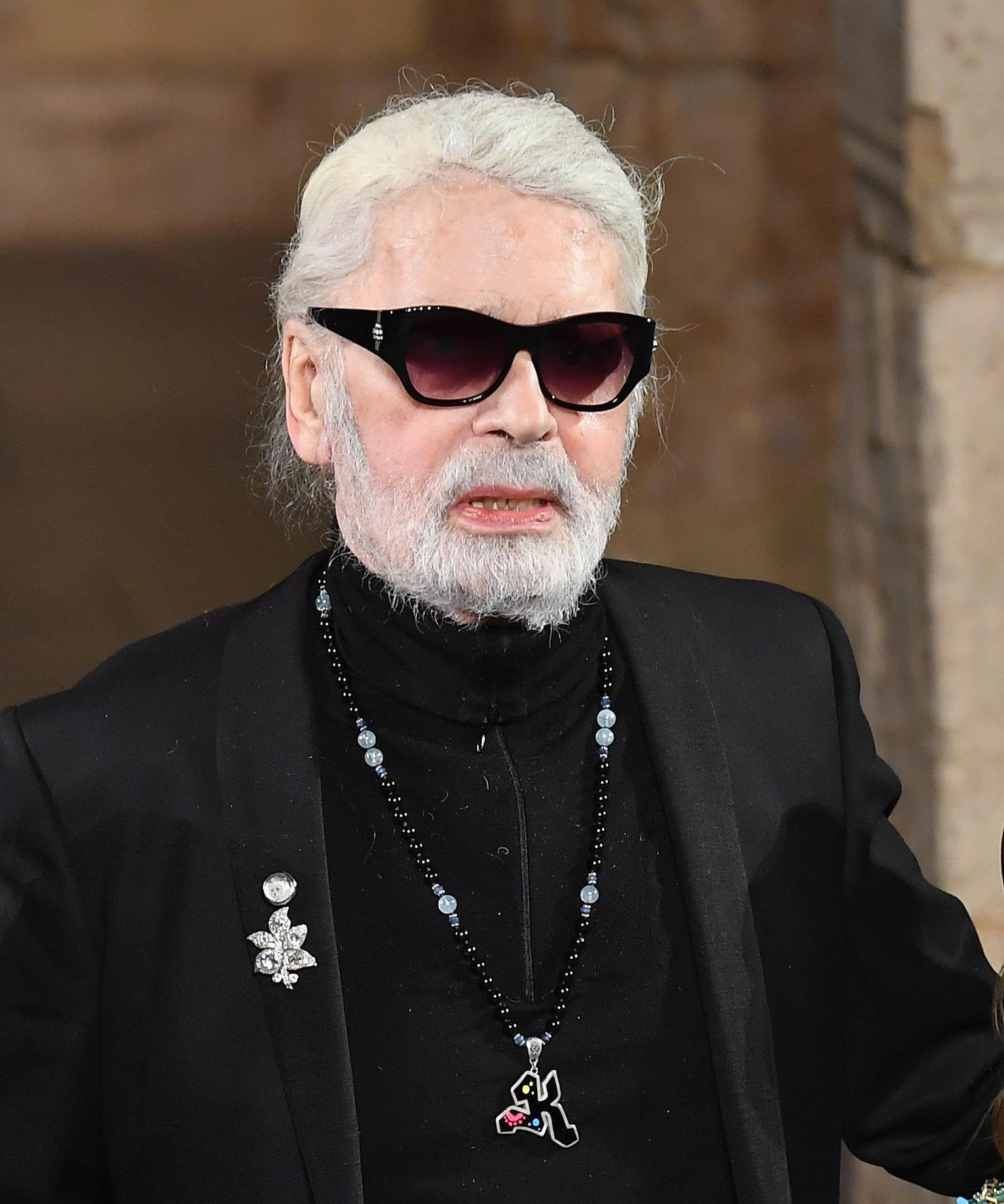 カール・ラガーフェルド氏が死去 シャネルのデザイナー、85歳