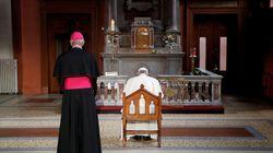 Οι μυστικοί κανόνες του Βατικανού για τους καθολικούς ιερείς που αποκτούν παιδιά και ο όρκος