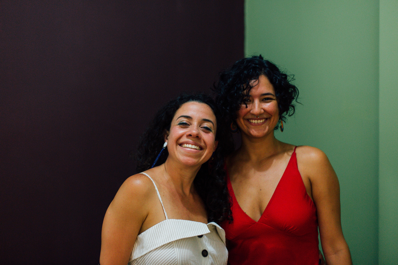 Catharine e Amanda, a dupla que faz do próprio corpo um templo da poesia