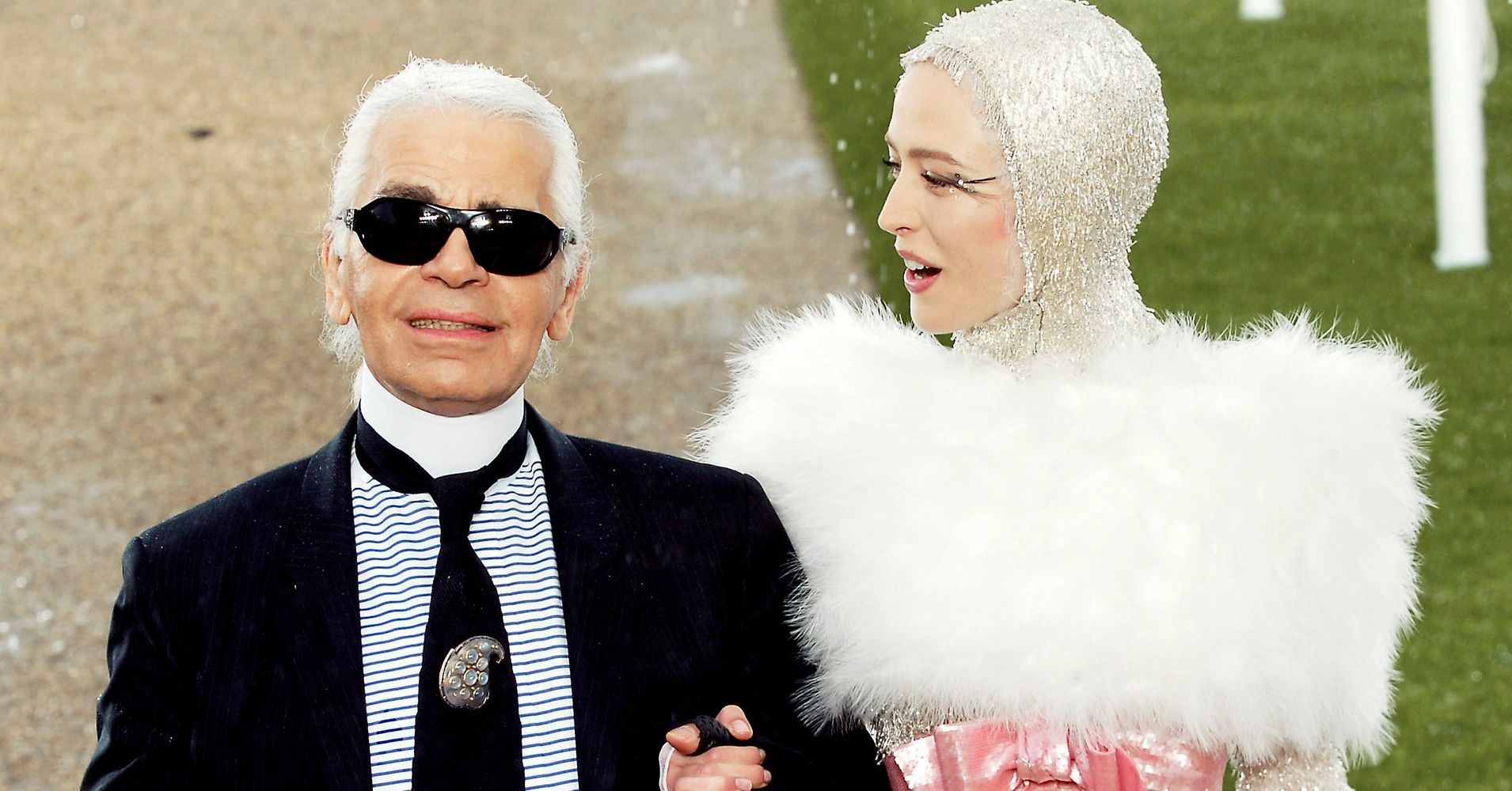 851548cc4964 A Look Back At Designer Karl Lagerfeld's Iconic Fashion Career In Photos |  HuffPost Life