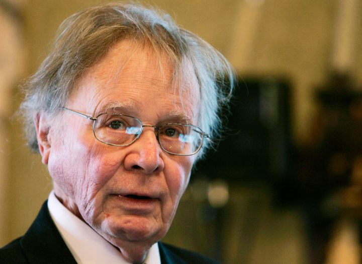 "Wallace Smith Broecker, a climate scientist who popularized the term ""global warming,"" has died at the age of 87."