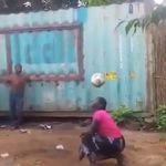 Avec ses jongles au football, cette femme impressionne tout le monde (même