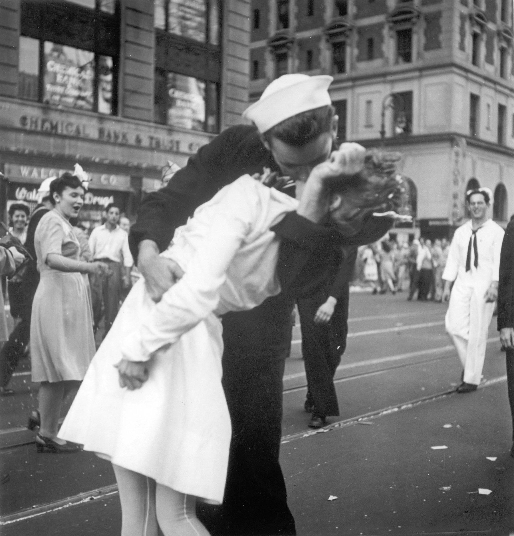 Statue based on famous WWII 'kissing sailor' photo spray-painted with '#MeToo'