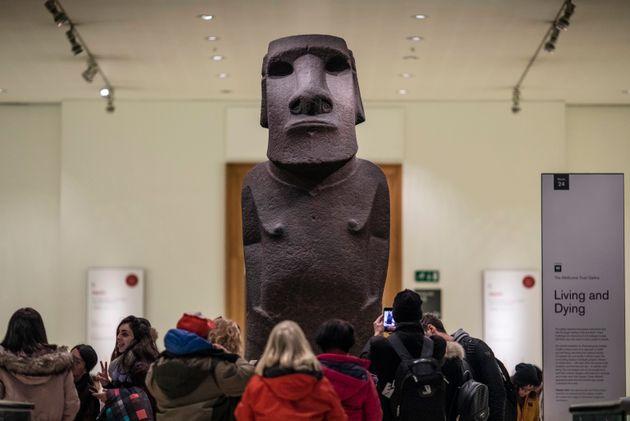 Το άγαλμα Hoa Hakananai'a στο Βρετανικό