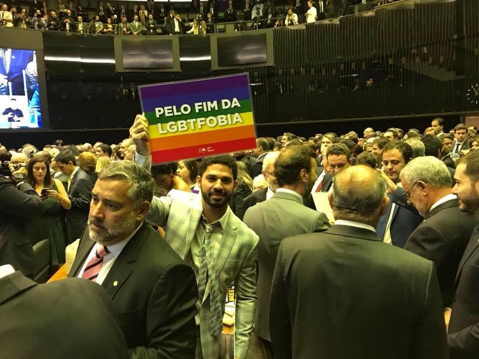 David Miranda, suplente de Jean Wyllys, assumiu a cadeira do deputado eleito pelo Psol do Rio de