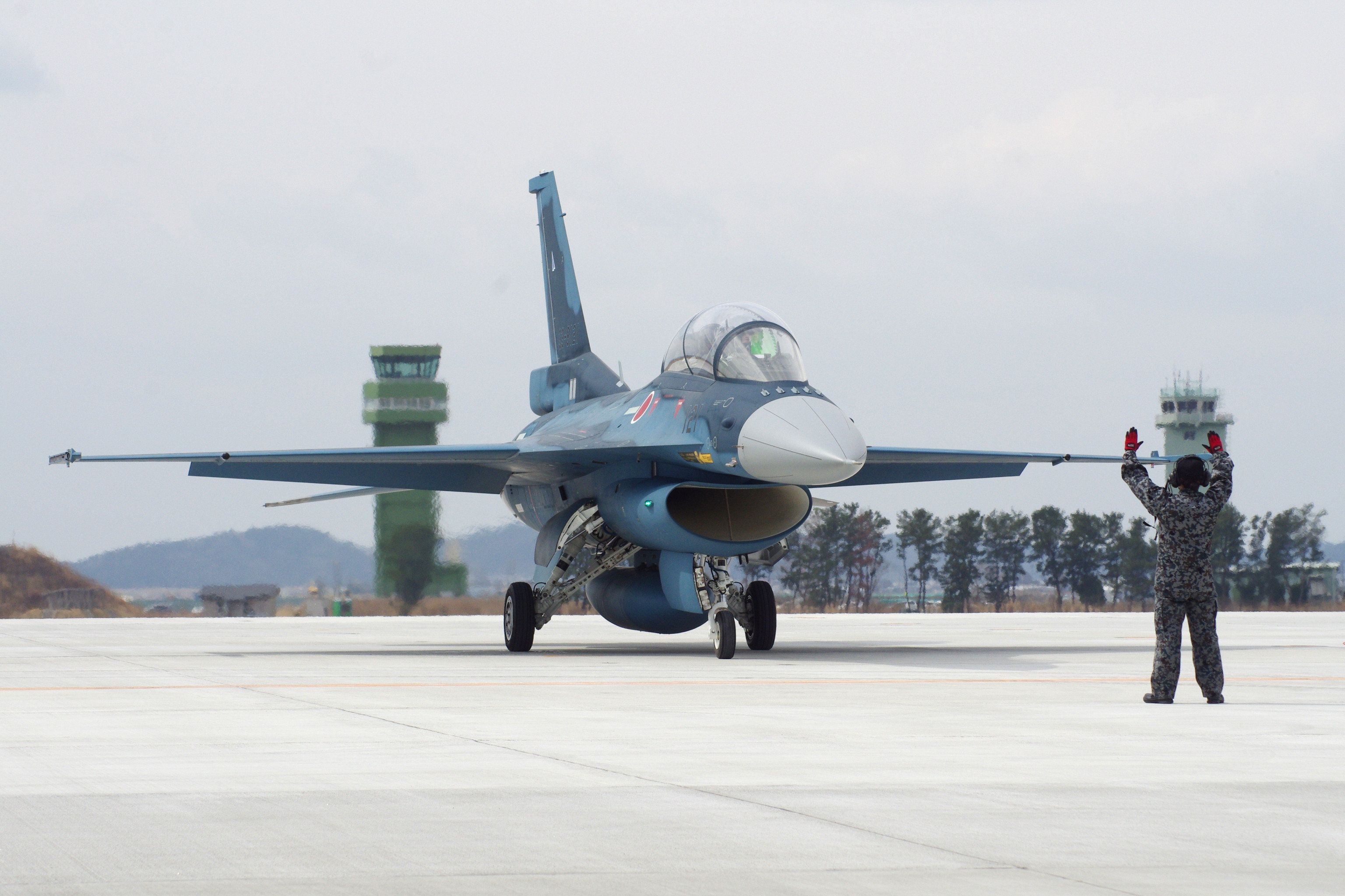 F2戦闘機、山口県沖でレーダーから消失 搭乗員2人の生存確認【UPDATE】