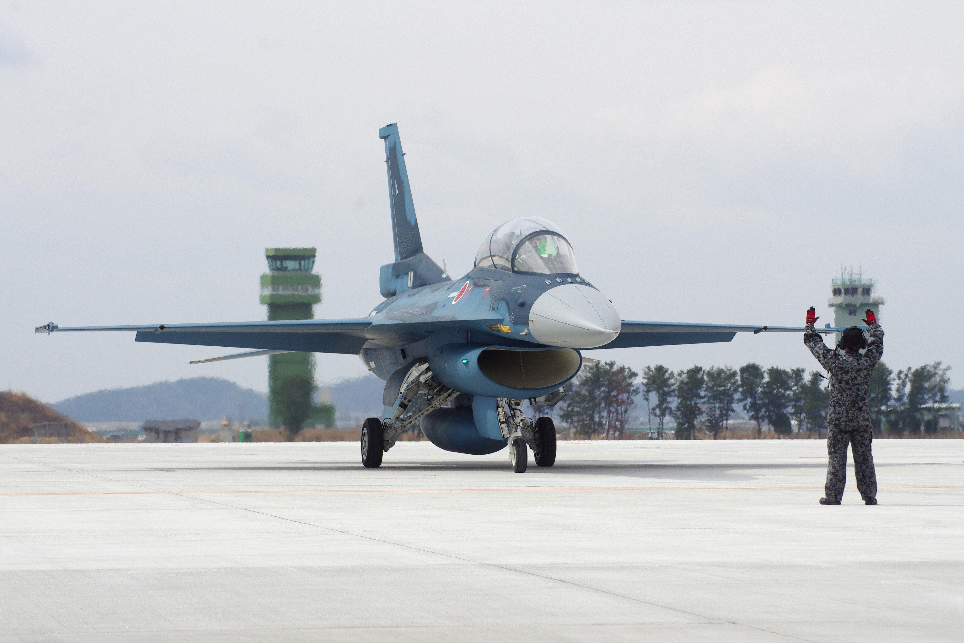 航空自衛隊F2戦闘機、山口県沖でレーダーから消失 NHKなど速報
