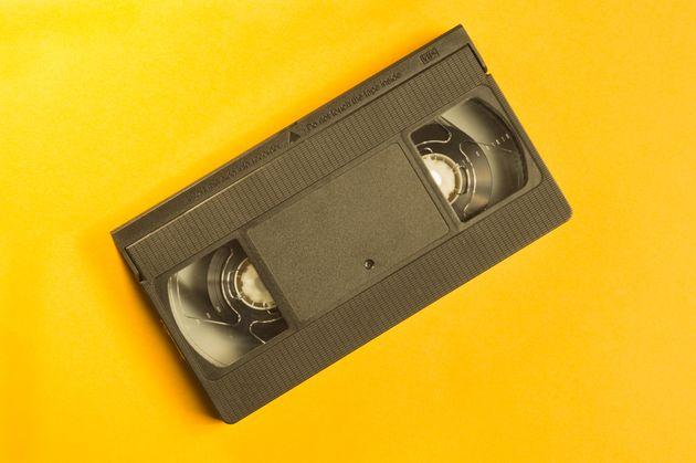 Ένα ευχαριστήριο γράμμα για την αγορά ενός VHS έκανε χιλιάδες να