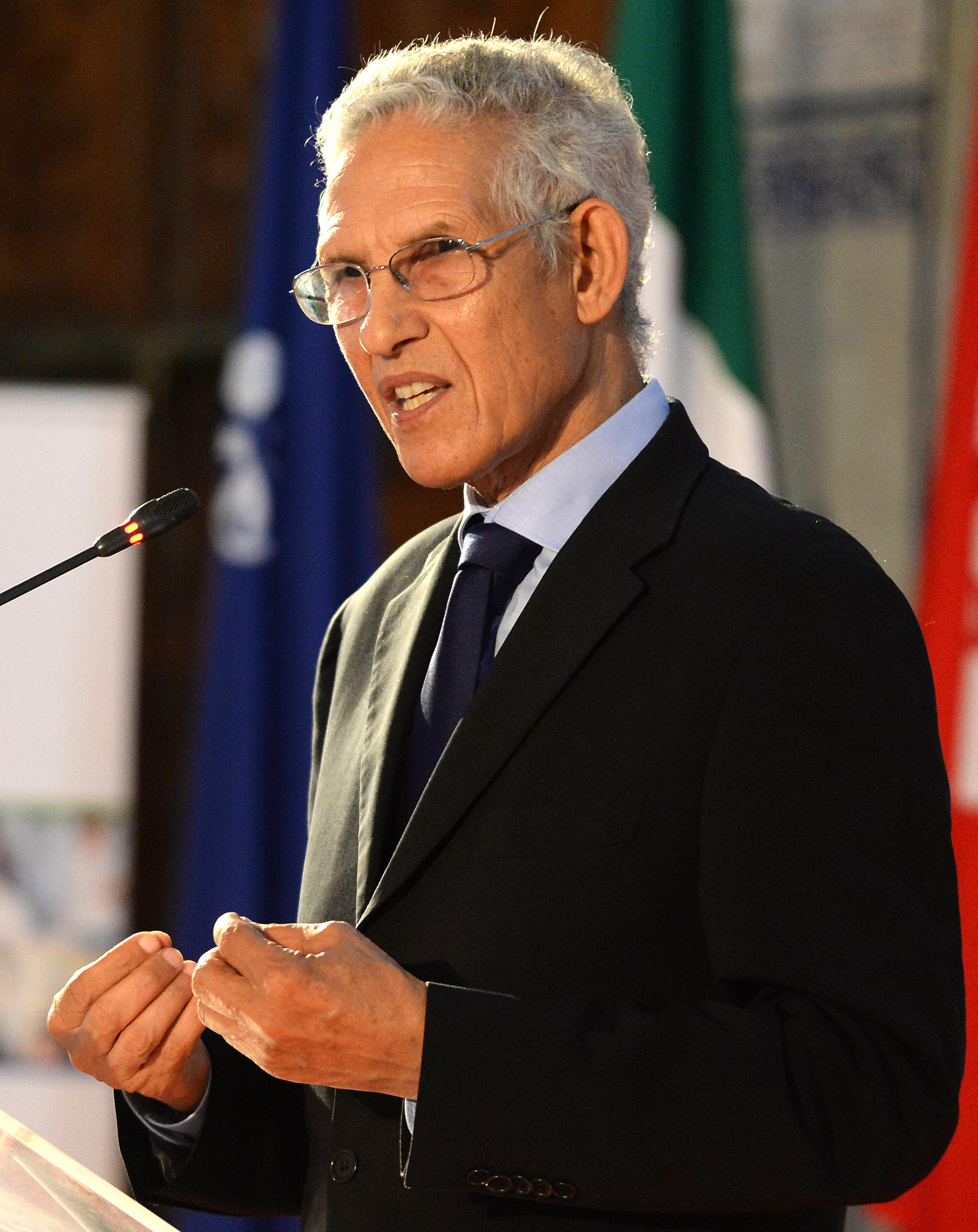 Plafonnement des prix du carburant: Daoudi s'est réuni avec les pétroliers