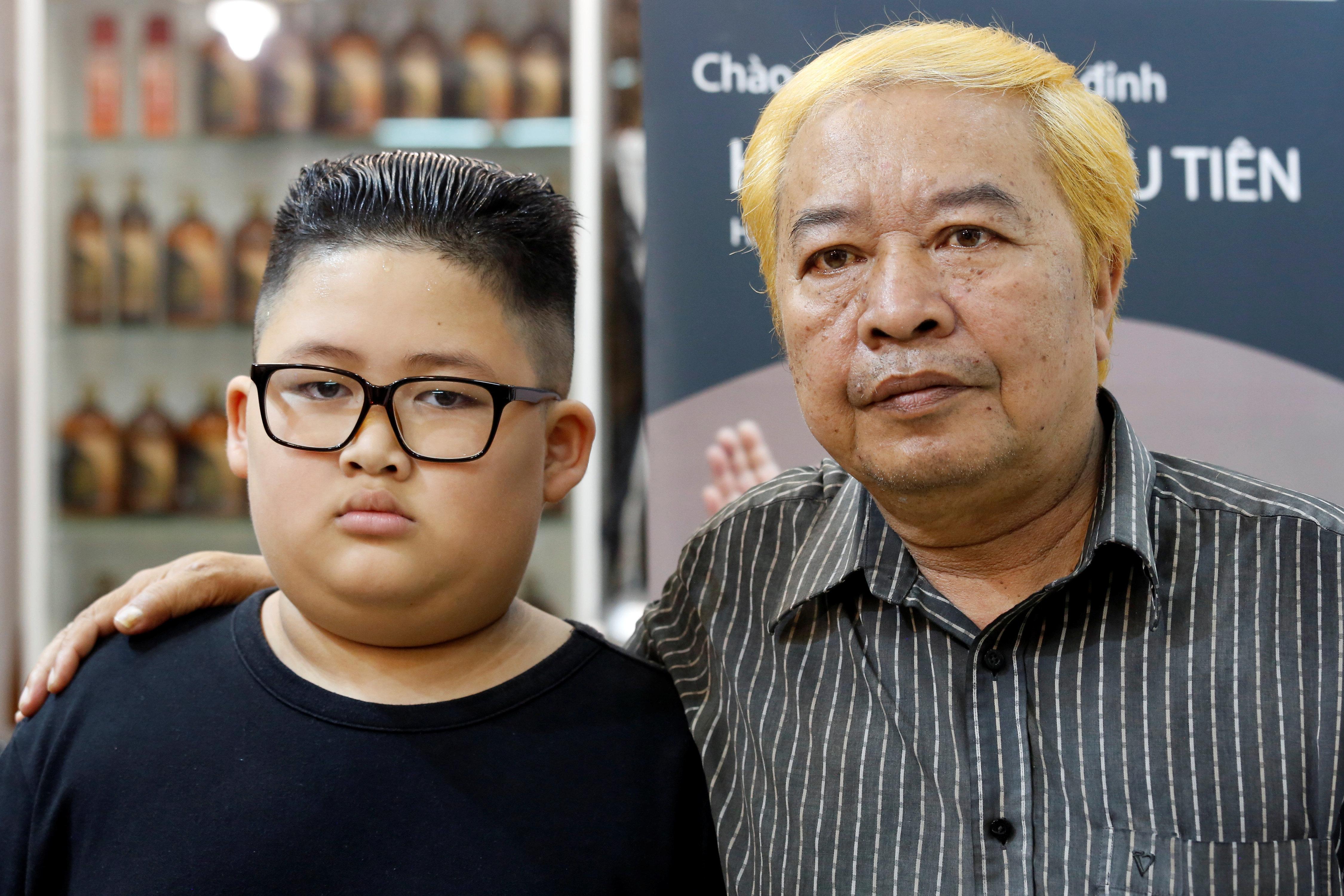 하노이 이발소가 '김정은-트럼프 스타일 이발은 공짜' 이벤트를