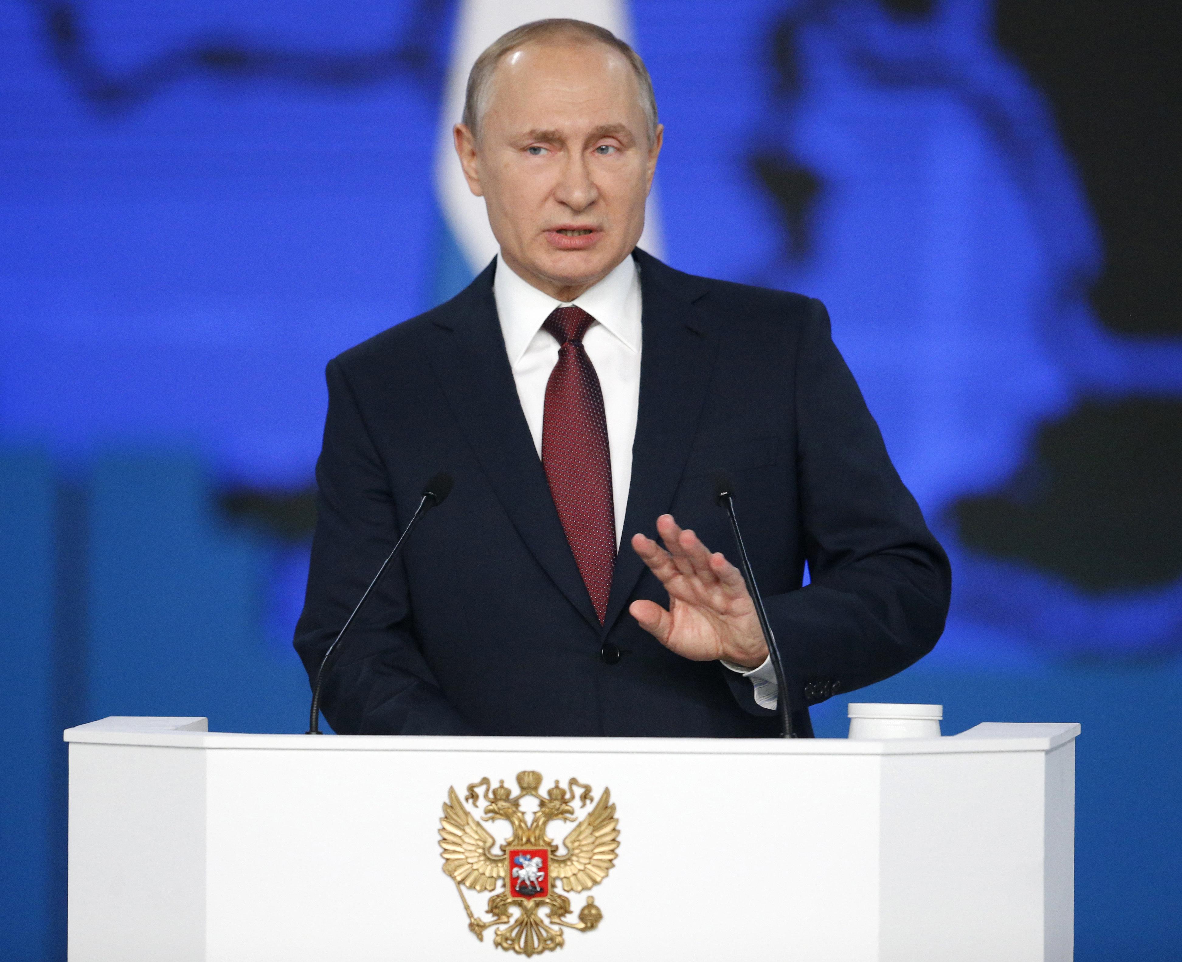 Πούτιν: Αν οι Αμερικανοί εγκαταστήσουν πυραύλους στην Ευρώπη, θα στοχεύσουμε και «τα κέντρα λήψης
