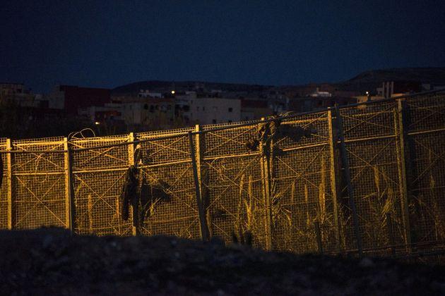 La frontière de Melilla, entre l'enclave espagnole et le