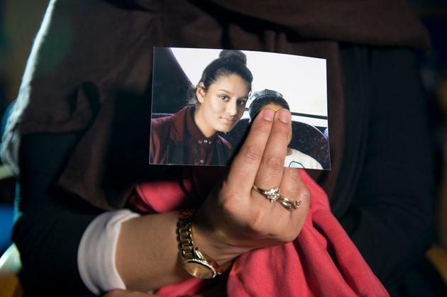 Αφαιρέθηκε η βρετανική υπηκοότητα από τη Σαμίμα Μπέγκουμ, που πήγε στο ISIS και τώρα θέλει να