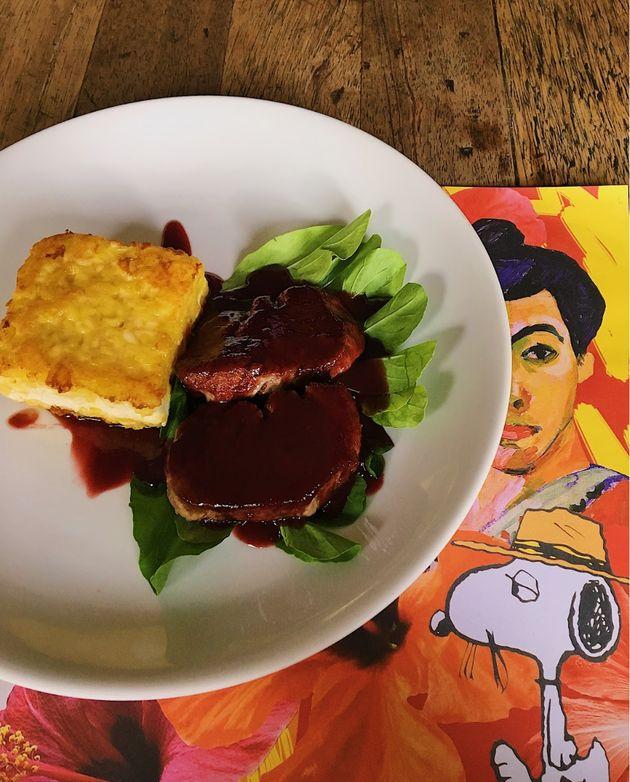 Um dos pratos mais vendidos do Dudu Bar: filé-mignon ao molho de