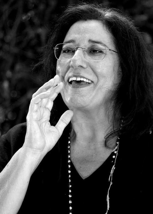 Μαρία Φαραντούρη: Πέρα από τα σύνορα υπάρχουν άνθρωποι με τα ίδια