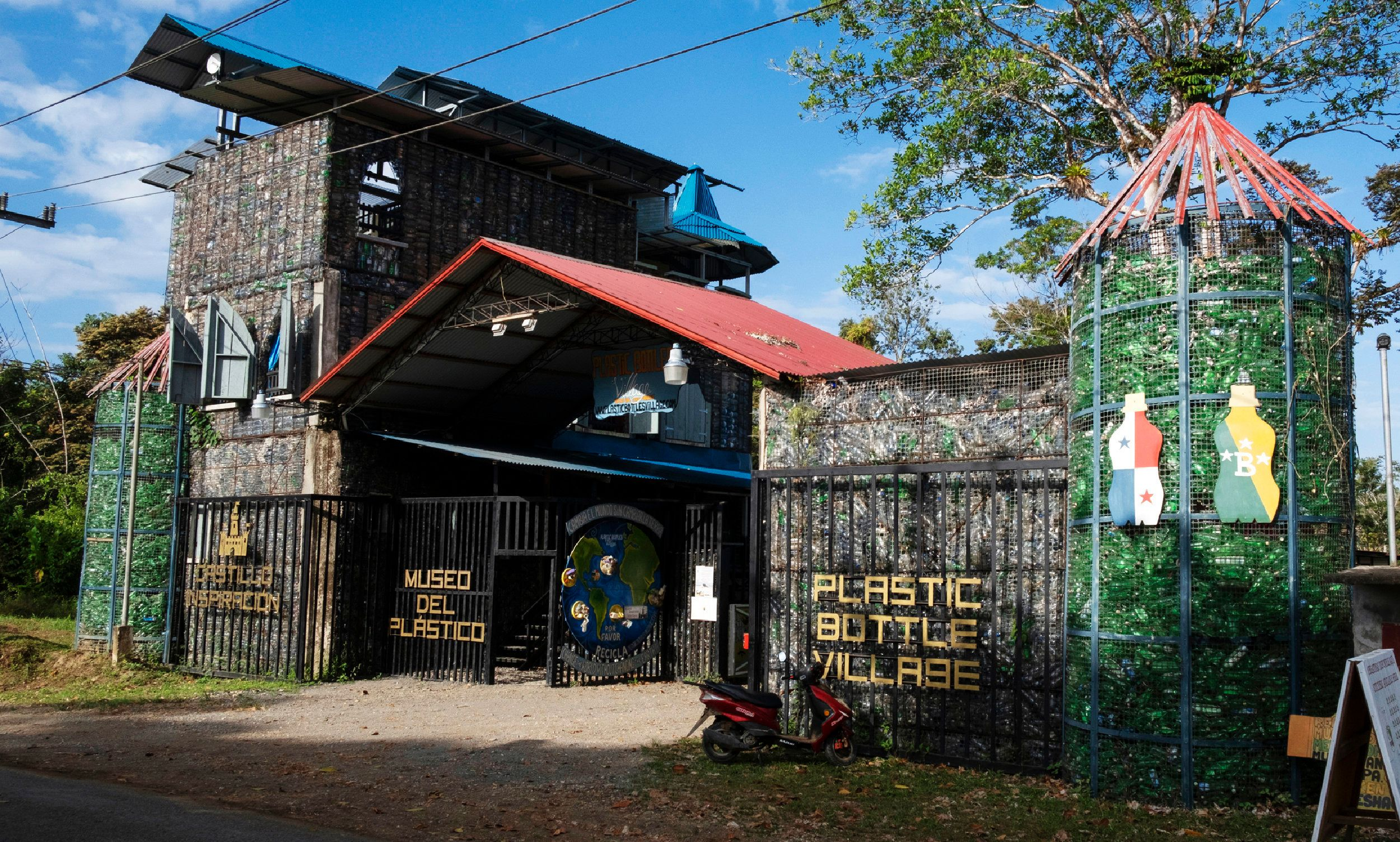 The plastic castle in Isla Colón's Plastic Bottle Village is a four-story building owned and directed by Canadian