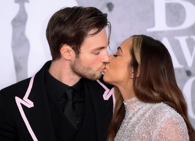 Jade and Jed share a kiss on the red