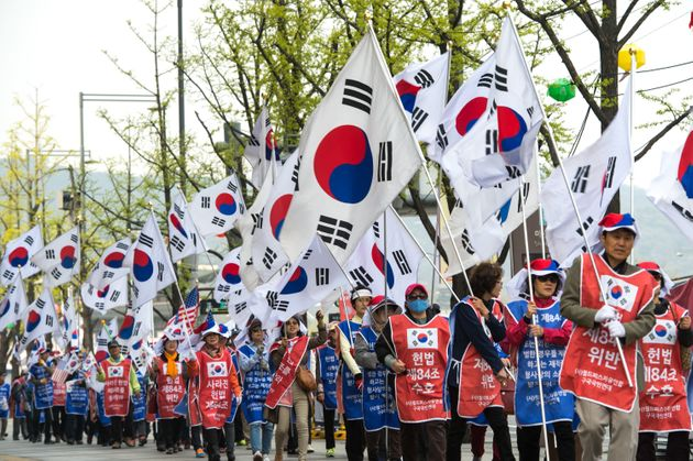태극기부대의 '자유한국당 접수' 시점이 다가오고