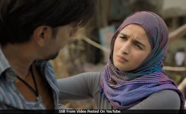 Alia Bhatt Had A Perfect Response To Kangana Who Called Her 'Gully Boy' Performance