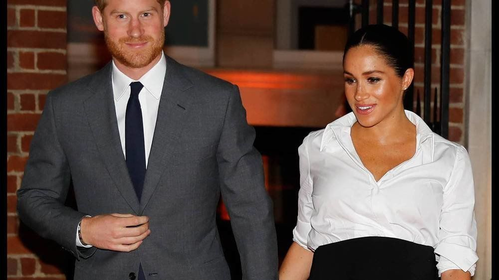 Royal-Experten: Meghan soll aufhören, Harry in der Öffentlichkeit anzufassen
